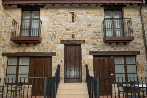 Apartamento-Superior-Baño en la habitación-Balcón- 28 y 29