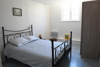 Appartement 3éme étage 1 chambre - chambre / lit double