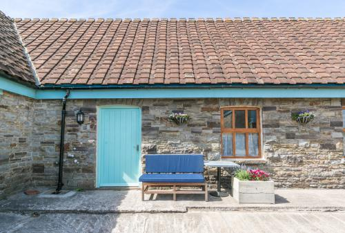 Traditional-Cottage-Ensuite with Shower-Countryside view-The Milking Parlour - The Milking Parlour