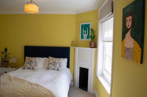 Room 2 - Deluxe double bedroom with ensuite shower