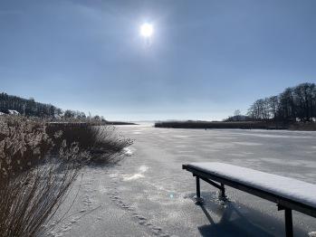 privater Badesteg im Winter