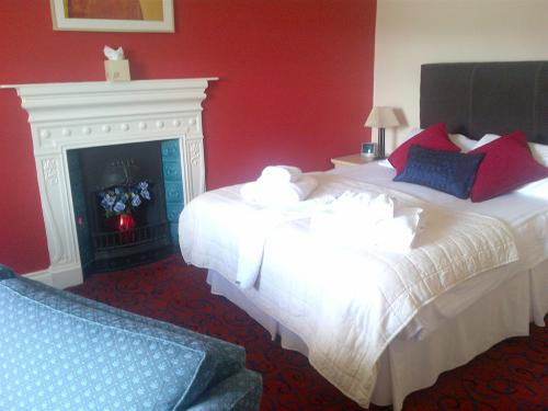 Double room-Standard-Ensuite-Lake View - Base Rate