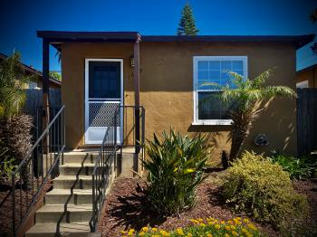 Cottage 2-Deluxe-Cottage-Ensuite-Courtyard view - Daily Rentals