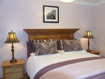 King room with ensuite facilities