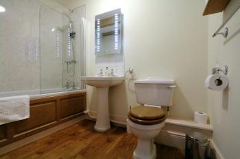 Superior Ensuite Bathroom in the Farmhouse