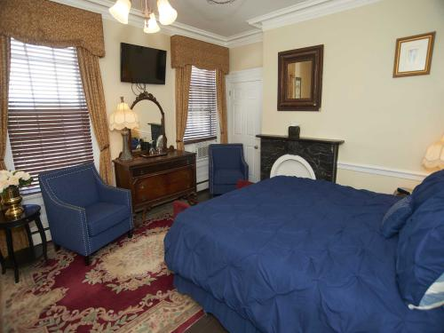 The Inn 1 King (no pets)-Double room-Ensuite-Standard - Base Rate