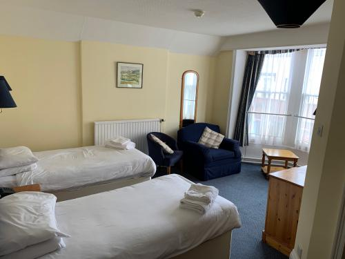 Twin Room - Standard Ensuite