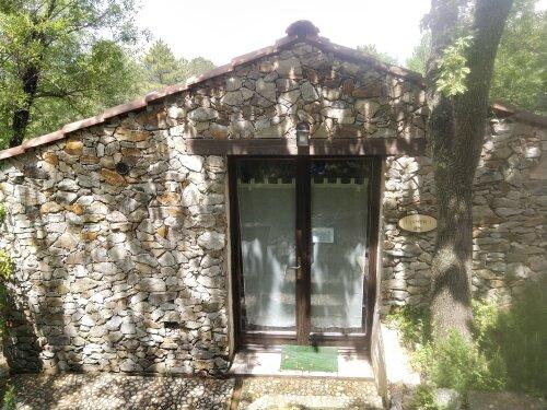 Maisonnette en pierre I Sumbri