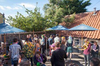 The Crown & Kitchen - Beer garden