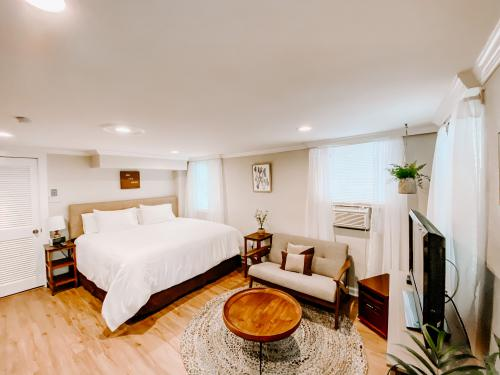 Peachtree-Apartment-Classic-Ensuite with Bath - Base Rate