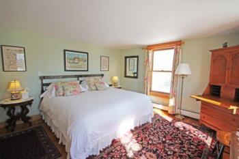 Luxury King Bed Room, the George