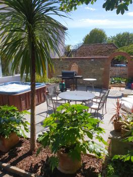 BBQ and Hot Tub in Private Patio area