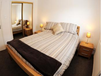Aberdeen Serviced Apartments - Bloomfield - Bedroom