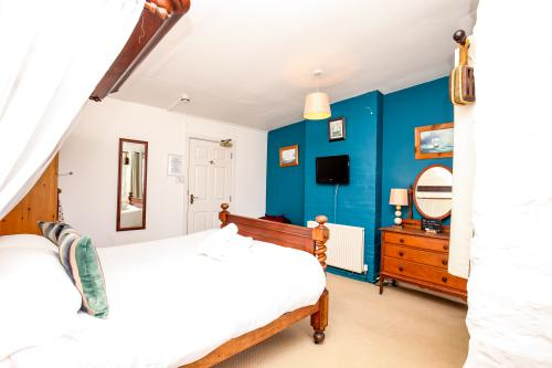 King-Deluxe-Ensuite-Sea View-Room 2 Large - Base Rate