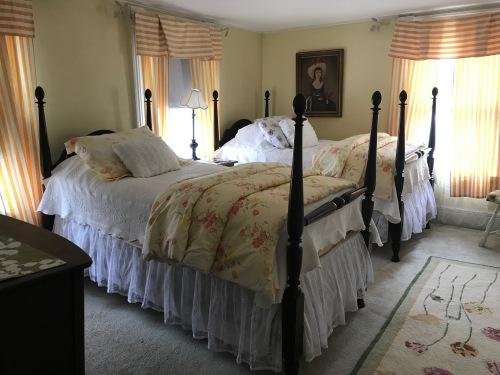Aunts Room 204