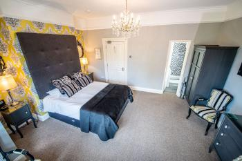 Room 4 Luxury Double Secondary View
