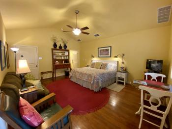 Quad room-Ensuite with Shower-Standard-Garden View-Mountain Laurel Room - Base Rate