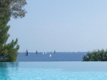 Infinity Heated Pool View loutrelus.com golfe de Saint-Tropez