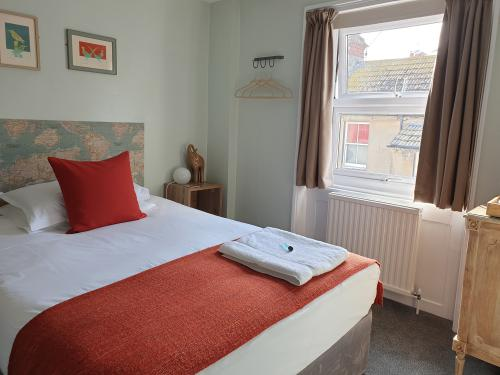Single room-Standard-Ensuite with Shower-Shared toilet - Room Only