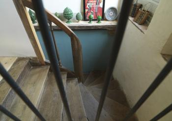 Escalier du palier vers le hall d'entrée