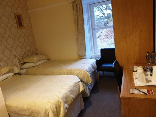 Twin room-Ensuite-Mountain View - Breakfast Included (non-refundable)