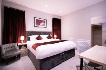 Super King Bedroom