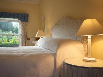 Double room-Romantic-Ensuite with Bath-Garden View