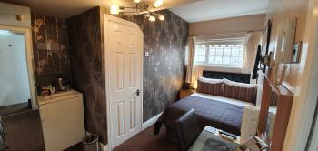 Executive Single room with full En-suite