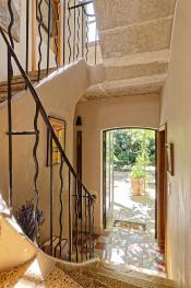 Les escaliers donnant sur le jardin