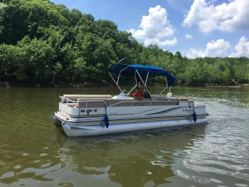 Boat-Wet room-Standard-Lake View-24' Lowe Pontoon Boat