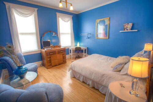 Double room-Standard-Ensuite-Cobalt Blue Room.