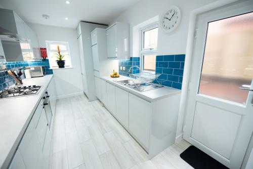 Luxury-House-Ensuite with Shower-Terrace-Up to 8 Guests - Base Rate