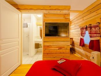 Chambre double avec salle de bains privative