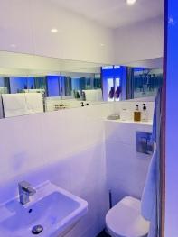 Room 4 Standard Twin Bathroom