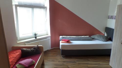 Doppelzimmer mit Gemeinschaftsbad und Gemeinschaftsküche