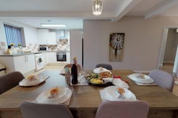 Dinner/Kitchen