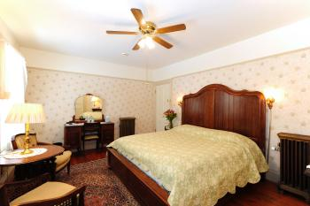 Suite-Ensuite-Deluxe-Family West Wing