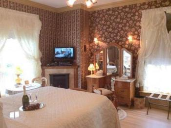 Double room-Ensuite-Queen Anne - Base Rate