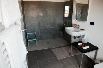 Bagno stanza Aroma, primo piano