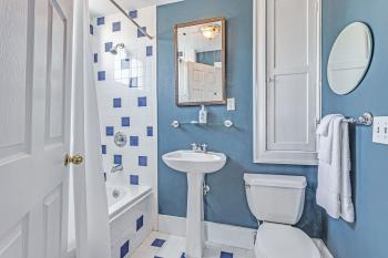 Bombay Room - Bathroom