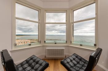 Luxury Penthouse on The Scores - Best View in St Andrews -