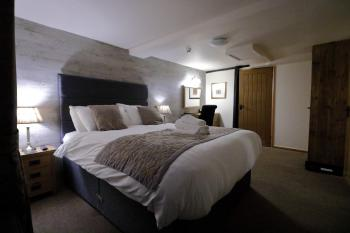 Double room-King-Ensuite with Shower - Double room-King-Ensuite with Shower