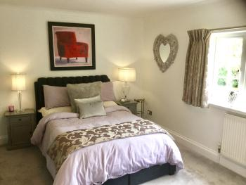 Hawthorns-Double room-Superior-Ensuite with Shower-Garden View - Base Rate