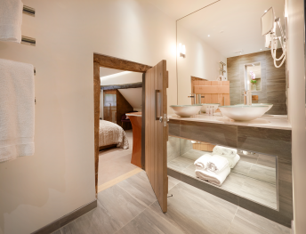 Double room-Ensuite with Shower-Poppy - Base Rate