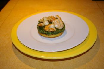 A la table d'hôtes : polenta, épinards à la crème, crevettes sautées en persillade