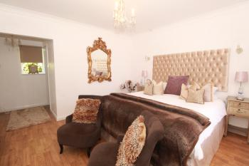 Double room-Cottage-Ensuite-5