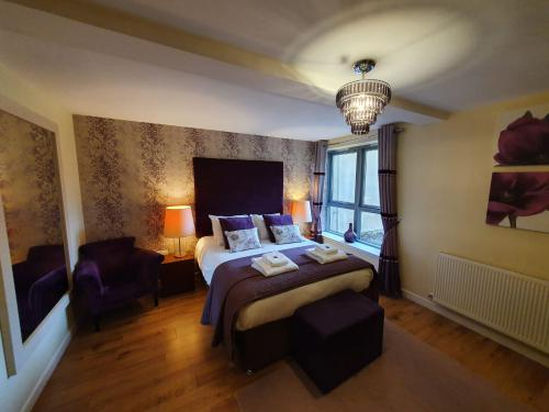 Apartment-Private Bathroom-Terrace-AC02 - Base Rate