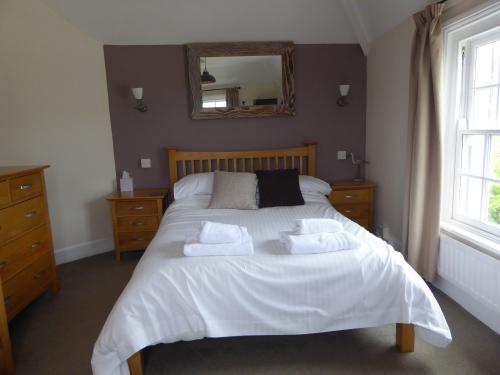 Panoramic-Countryside view-Family room-Ensuite - Base Rate