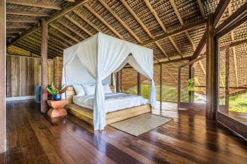 KA BRU River Rental Villa - Top Suite Bedroom