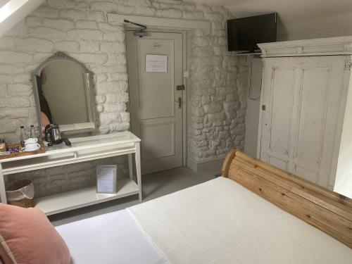 Double room-Standard-Ensuite with Shower-Room 7